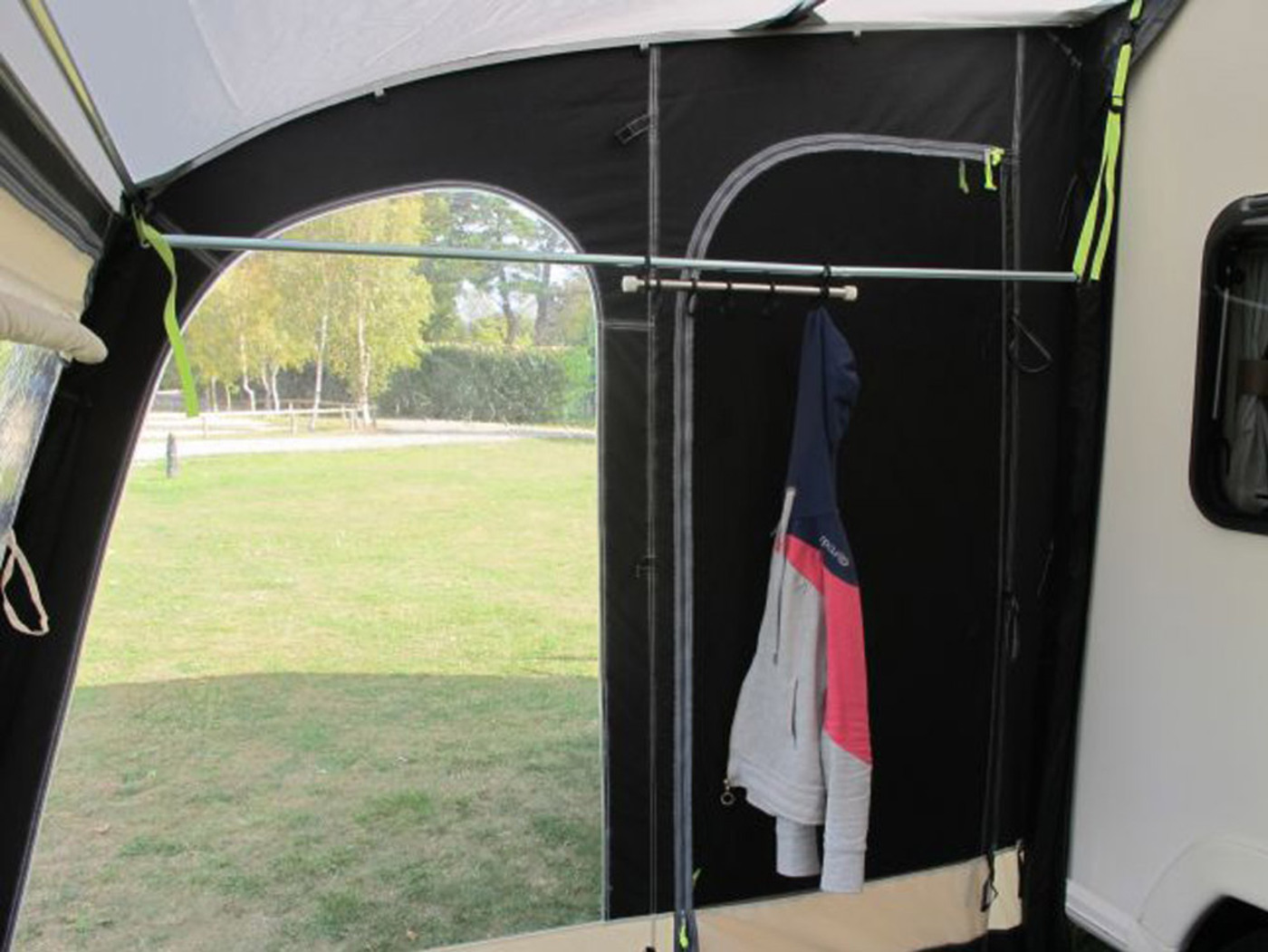 Kampa Rally Hanging Rail