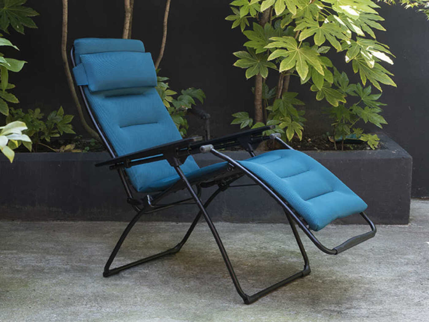 lafuma futura air comfort recliner coral blue homestead caravans. Black Bedroom Furniture Sets. Home Design Ideas